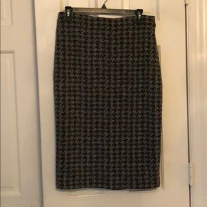 Skirt with split in the back.